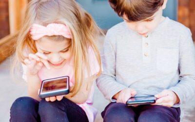 Handys und Kinder: Worin besteht die Gefahr für die Kindergesundheit?